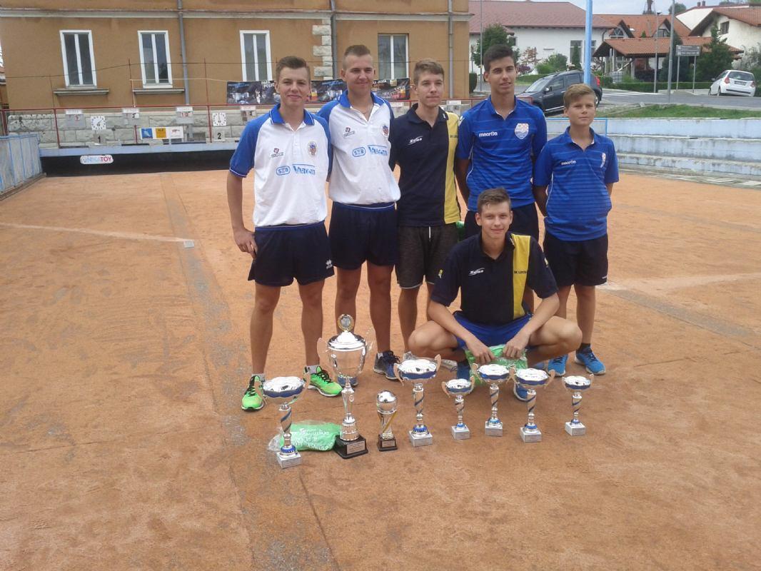 Mateo Načinović i Dario Juričić - Rijeka   pobjednici 4.  međunarodnog juniorskog  turnira parova Pokal Postojnske Jame